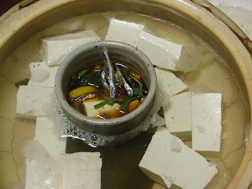 最高の湯豆腐。本物の肉はもういらないんじゃないかというほどのおいしさ。