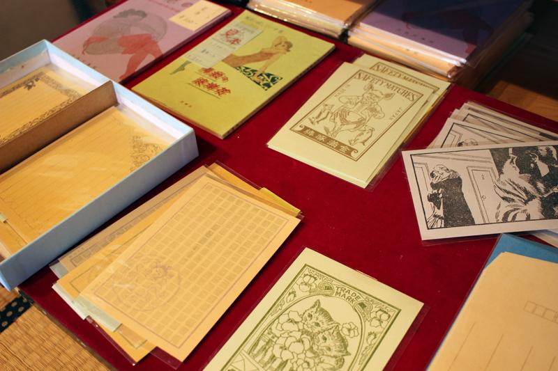 ガリ版で印刷したメモ帳など