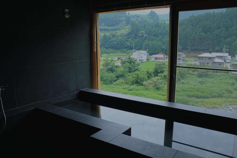 お風呂からの眺めもリバーサイドビュー。